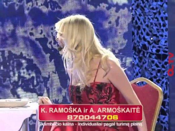 Natalija Zvonkė Vitalijui Cololo siūlo graužti batoną (8 laida)