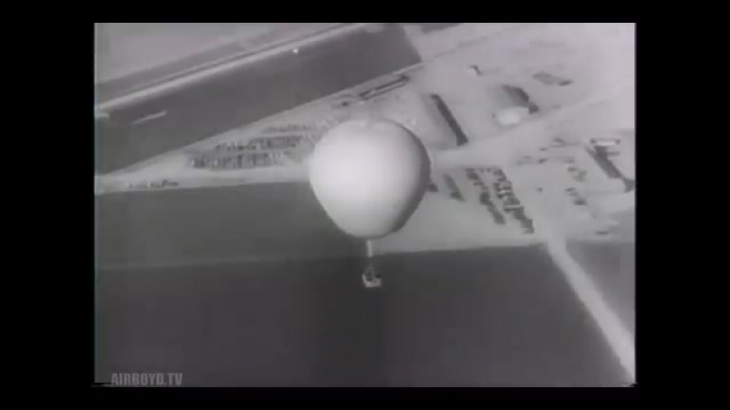 Navy Fliers Test Free Balloons (1943)