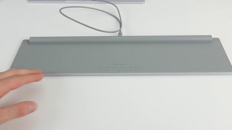 Ausgepackt angefasst Microsoft Modern Keyboard mit Fingerabdruck ID