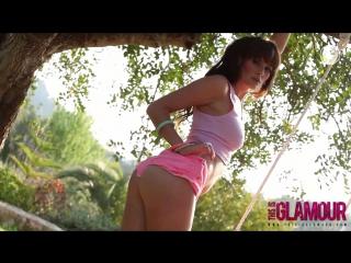 Emma Green striptease