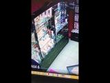 Парень зашёл в интим магазин,смотреть до конца