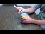 Как открыть консервную банку чайной ложкой