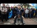 «Порошенко» приехал на Майдан верхом на «казаке»