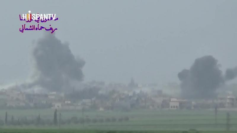 Aviones de Rusia bombardean fortalezas de rebeldes en Hama