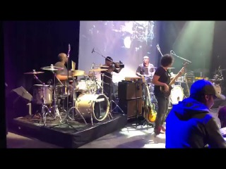 Derrick Mckenzie and Larnell Lewis duet on Deeper Undergound (Yamaha Drums Show#2 in Paris)