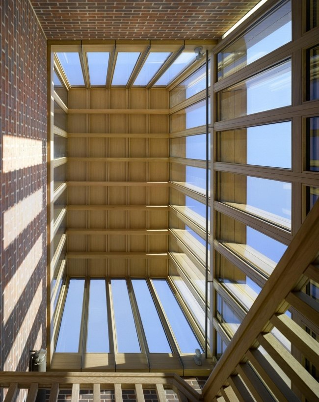 Бюро Niall McLaughlin Architects построило студенческое общежитие для Сомервилл-колледжа.