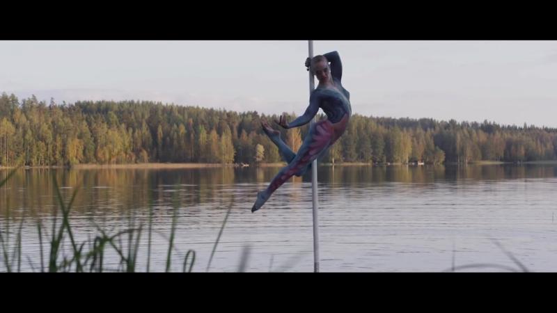 Pole Dancer X World Champion Body Painter