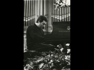 Vadim Rudenko plays Chopin's  Etude  no. 2