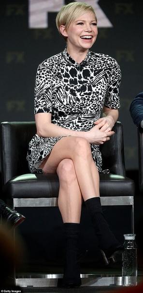 Мишель Уильямс об участии в движении : Я стала чувствовать себя полезной В прошлом году Мишель Уильямс оказалась в центре скандала, когда стало известно, что ее коллега по фильму Все деньги