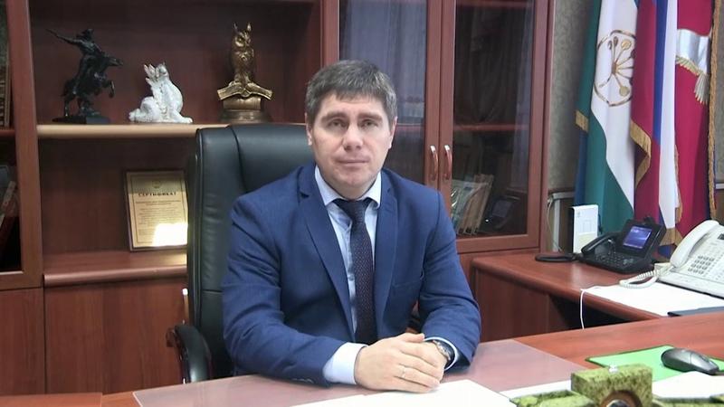 Новогоднее поздравление главы администрации Кармаскалинского района Альфира Фархатовича Сабирова
