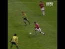 Le 28 septembre 2004 Wayne Rooney inscrivait un triplé contre Fenerbahçe pour ses débuts avec Manchester United MUFC