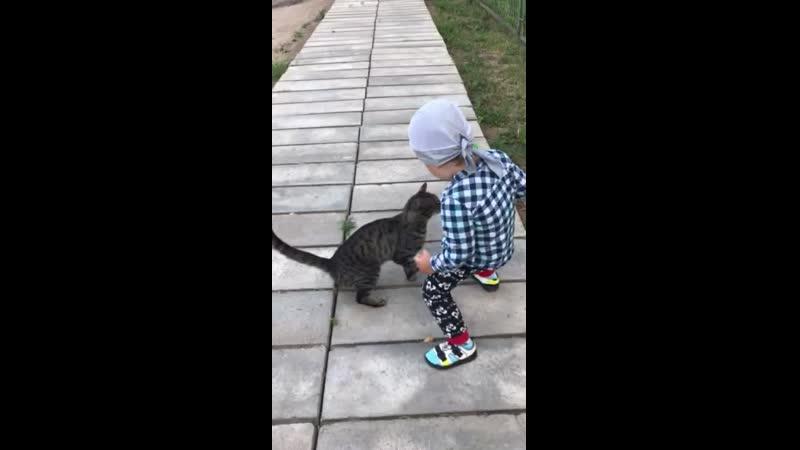 Покатай меня Катька! Я тебя за это поцелую!