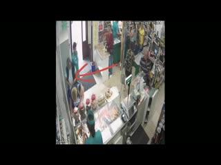 В Пинске женщина присвоила чужой кошелек: её ищет милиция