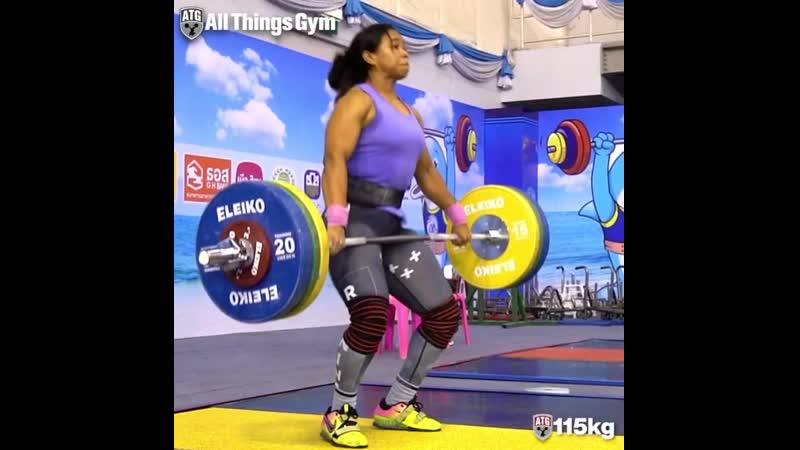 Лейди Солис Колумбия 30 лет до 76 кг взятие на грудь в стойку толчок в ножницы 116 кг