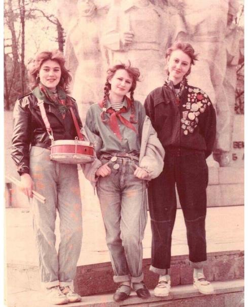 Советские девушки  Какой год, как думаете