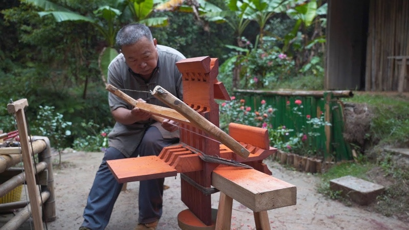 阿木爷爷手工打造将军案,一块木头凿制出组合鲁班桌,好厉害