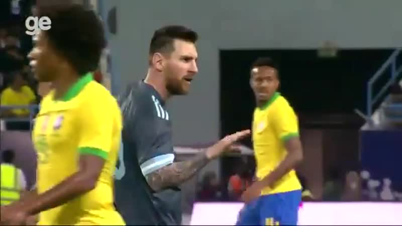 Messi telling Brazils manager to shut up after the later was asking for him to get a yellow SuperClasico
