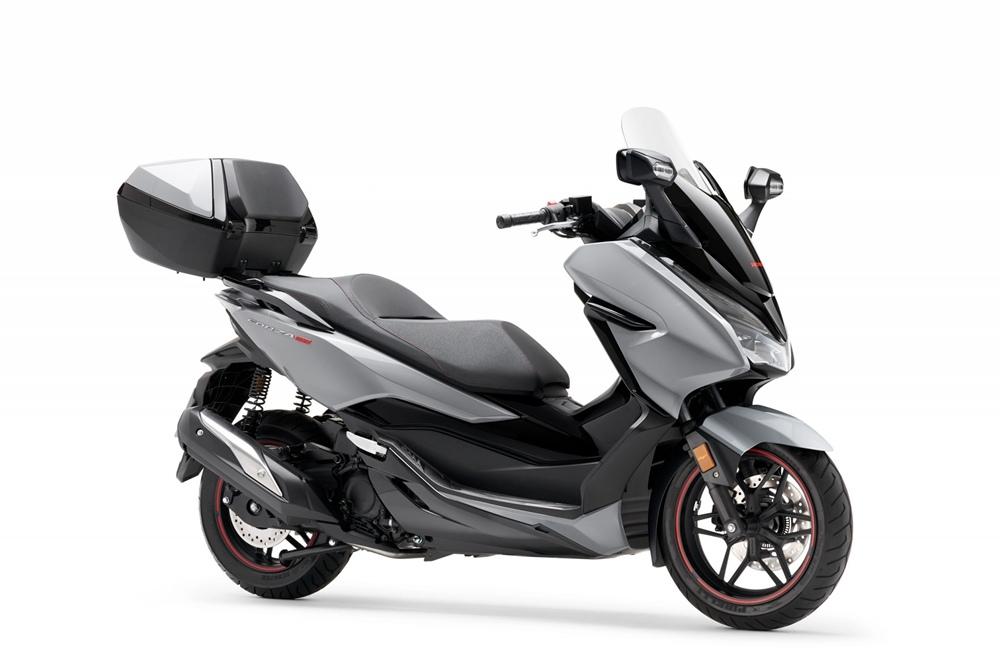 Обновленный скутер Honda Forza 300 2020