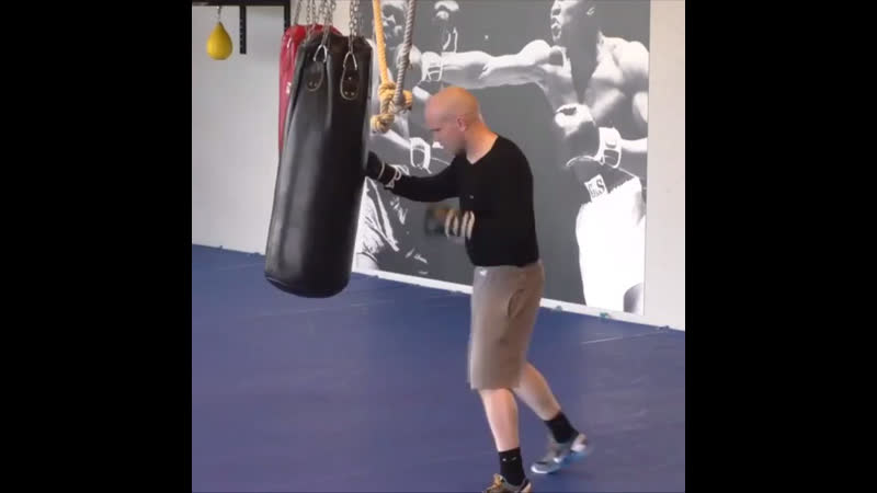 Some easy bag work for warm up a few years and several kilos ago