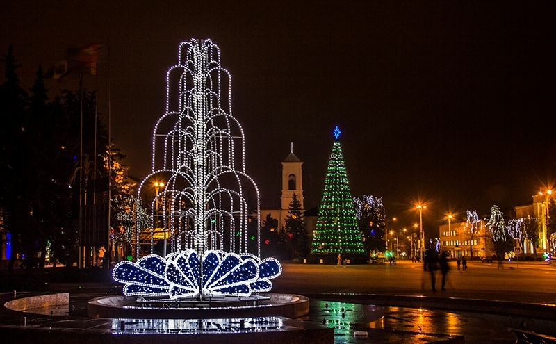 В Ленинском районе г. Бреста продолжается конкурс на лучшее новогоднее оформление
