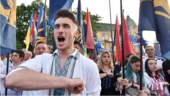 """Как дружить с """"агрессором"""". Киев хитрит в отношениях с Москвой"""