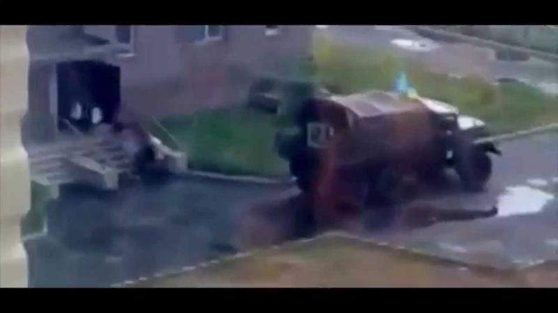 Украина 11 03 2015 ШОК Мародеры ВСУ грабят квартиры жителей в Авдеевке