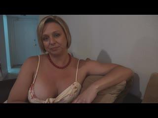 📼 Зрелая мамка Brianna Beach признается, что ее сексуально влечет к сыну [ milf, mature, moms, taboo, incest, 50+, bbw, son. ]