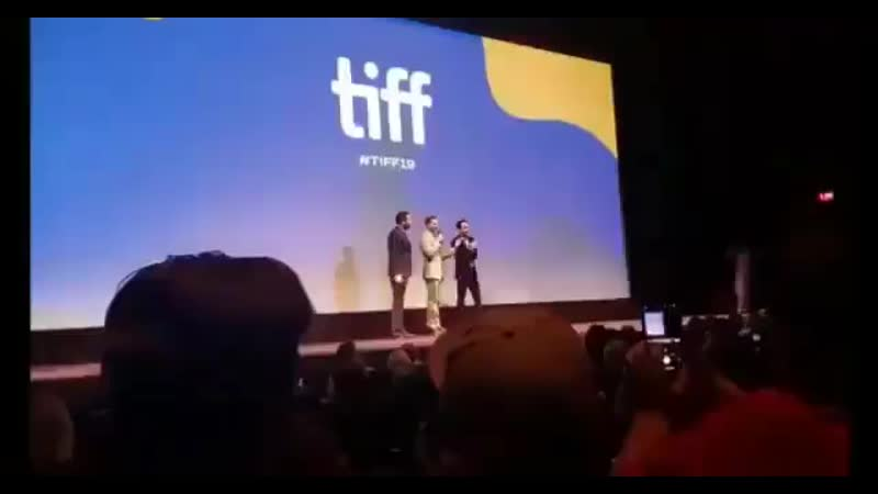 Jamie no palco após a exibição do seu filme no TIFF. (1)