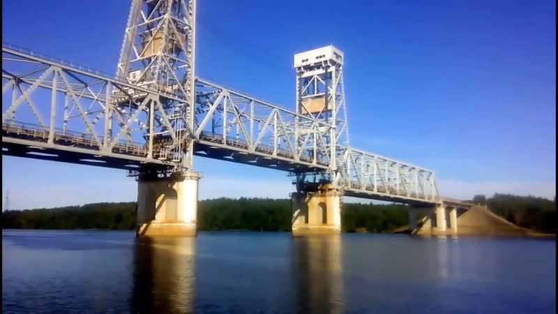 Совмещенный разводной лифтовый мост через Свирь на трассе Кола в Лодейном Поле