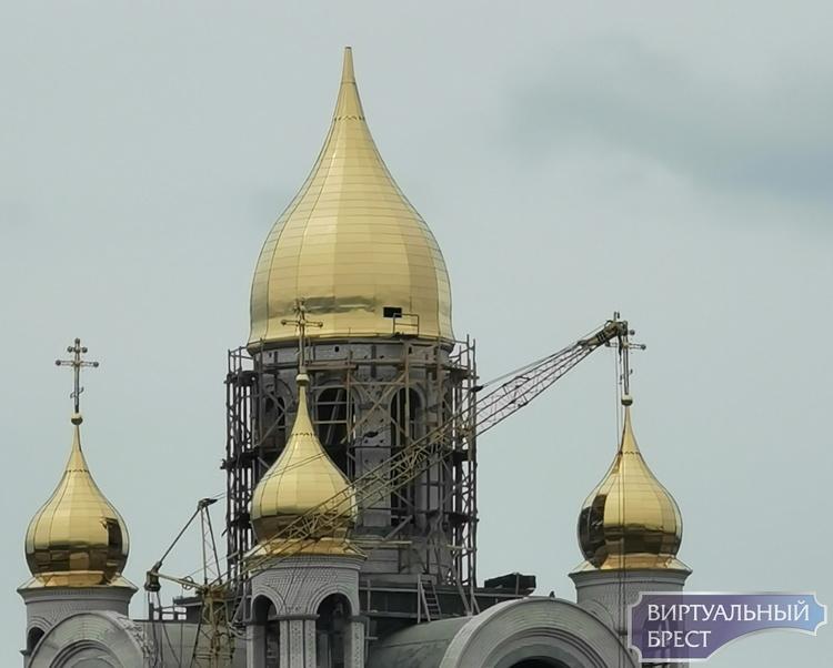 Купол над храмом Рождества Христова почти установили. Показываем, как выглядит