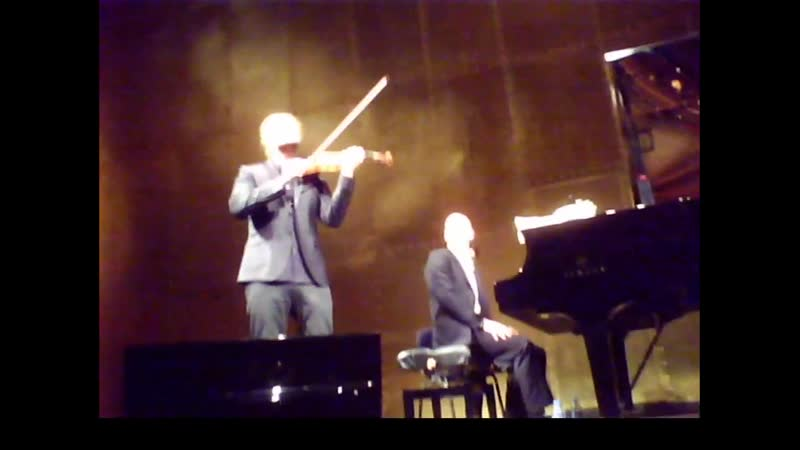 22 03 2015 Paris Champs Elysee Theatre RECITAL with Tempo di Minuetto Ausschnitt
