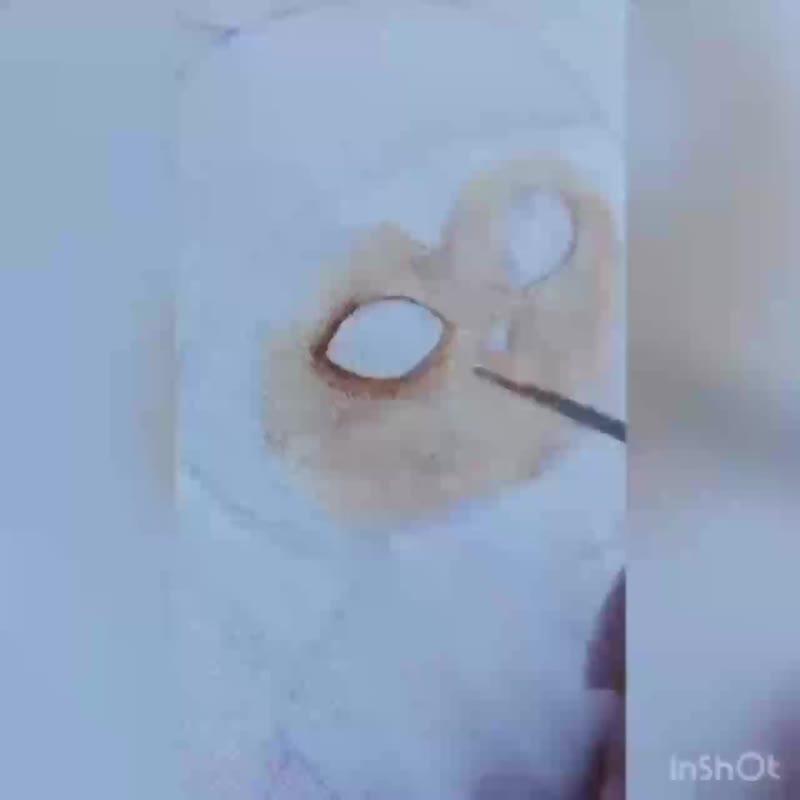 Процесс нанесения рисунка на футболку