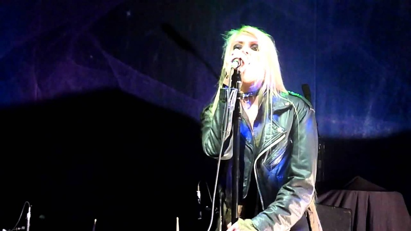 The Pretty Reckless - Zombie / Live @ C - Halle Berlin 20.11. 2011