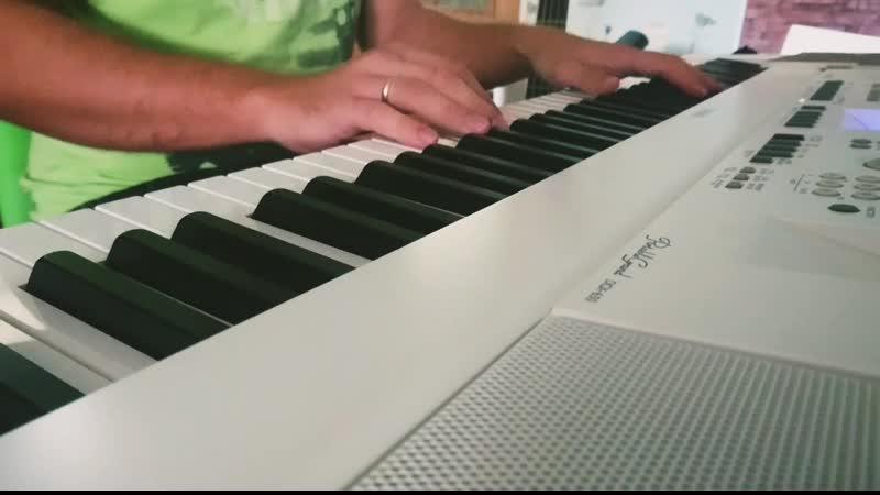 🎹Немного музыки для души. Цитата из фильма Близнецы - драконы Джеки: Купи себе пианино и упражняйся 6 часов в день. Прохожий: Почему пианино? Джеки: Это придает силу твоим пальцам! 🎧 Музыкантам строго не судить, музыку подбирал сам на слух. the GazettE - PLEDGE
