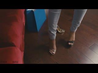 Sophia Leone  [ feet, footjob, footfetish ]