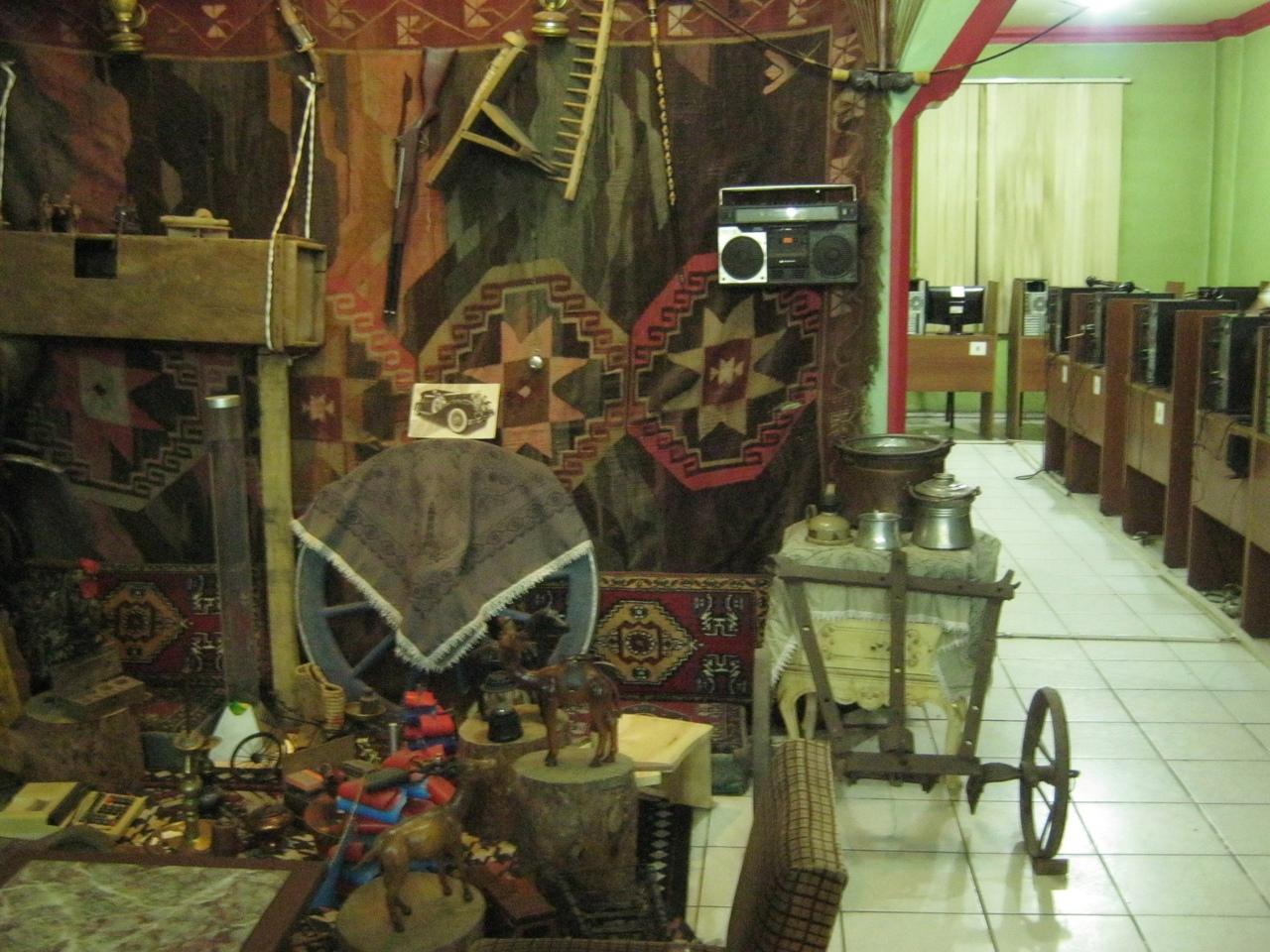 интернет-кафе в этнографическом и старинном стиле в Турции
