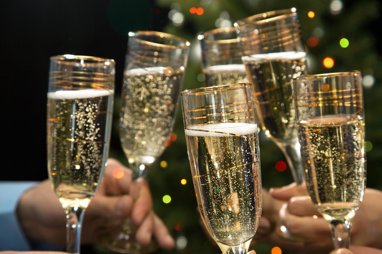 открытки с шампанским за новый год страницы открываются летописи