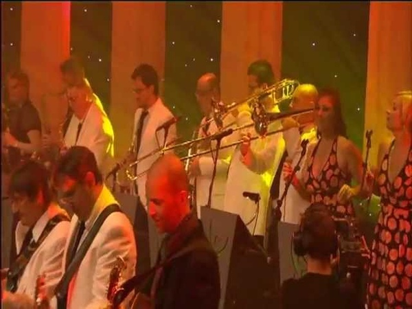 STRATO-VANI Medley Rum And Coca Cola Keep On Smiling (Live 2008 Vorst Nationaal)