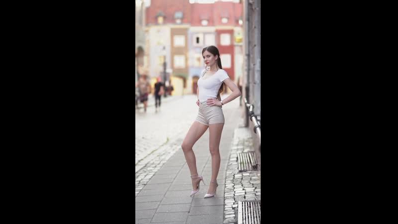 The girl with the ponytail -- by Ari_Maj (Ariadna Majewska)_Full-HD_60fps.mp4