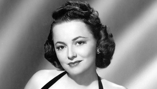 Оливия Де Хэвилленд, последняя представительница Золотой эры Голливуда, скончалась от старости в возрасте 104 лет
