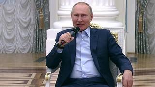 """Владимир Путин встречается с участниками общероссийской акции """"Мы вместе""""."""