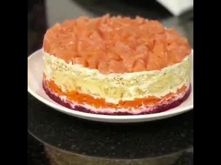 Очень вкусный салат семга на шубке, подойдёт и для праздничного стола