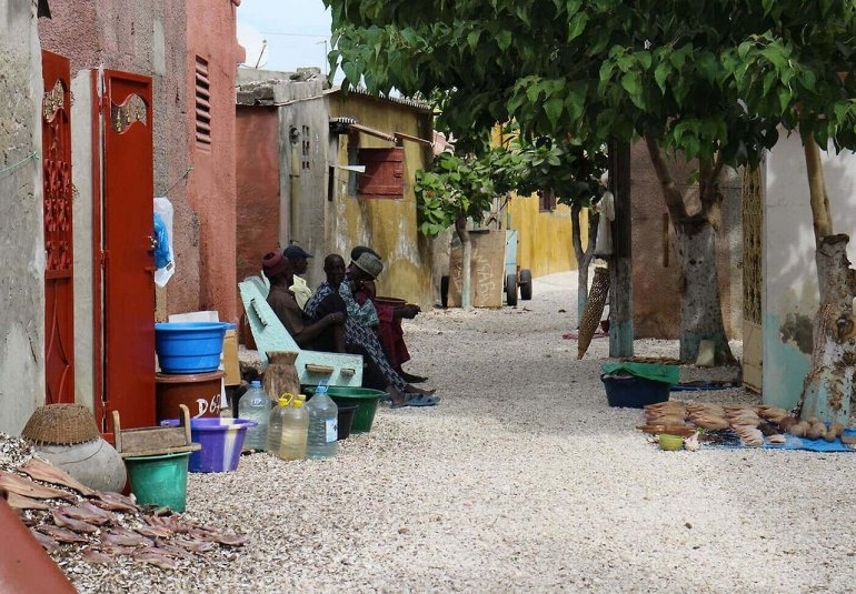 Интересные места нашей планеты Остров из ракушек Жоаль-Фадиут (Африка), изображение №4