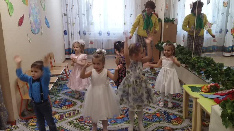 Танец Раз ладошка два ладошка Утренник к 8 марта в средней группы садика АБВГДейка март 20201 6