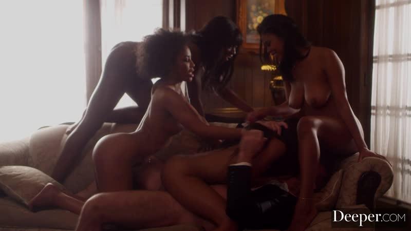 Счастливый мужик трахает 4 негритянок, black ebony group sex porn orgy milf