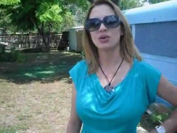 Dani Nixx Sexy Smoking Girl In Blue