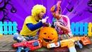 Игры стрелялки - Бластеры Нерф против Тыквы на Хэллоуин! - Смешные видео для детей.