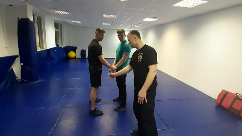 Освобождение от захвата одной рукой - практика 2