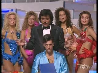Mediaset Extra - Colpo Grosso. Стриптиз. Много голых девушек. Большие сиськи. Публичное обнажение. Частное домашнее порно (140)