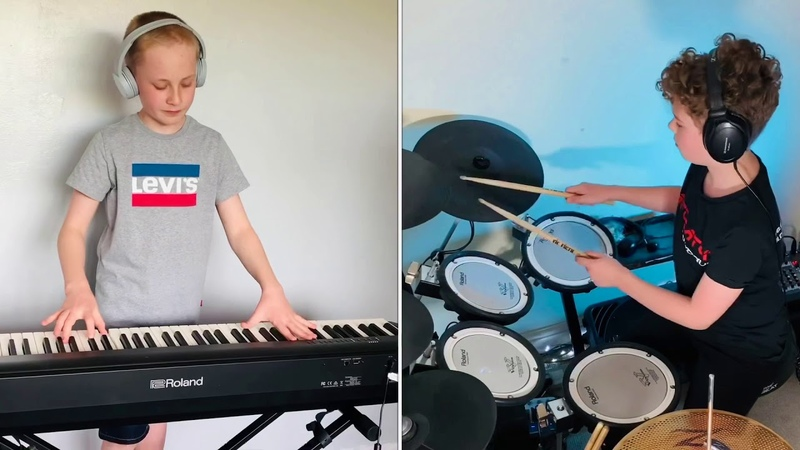 Piano and Drum 90s Dance remix Viral 'How to Attract a Crowd in Four Minutes' video gets a drum beat